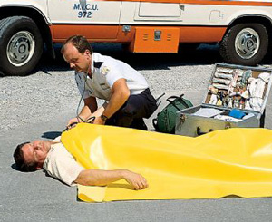 "Emergency Rescue Blanket, Disposable, Yellow, 58"" x 90"""